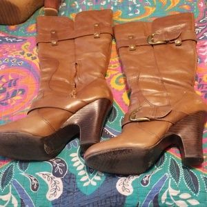 Great Neutral Heeled Boot